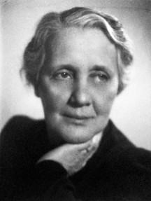 L0017906 Melanie Klein, bust by B Sachsel, 1944